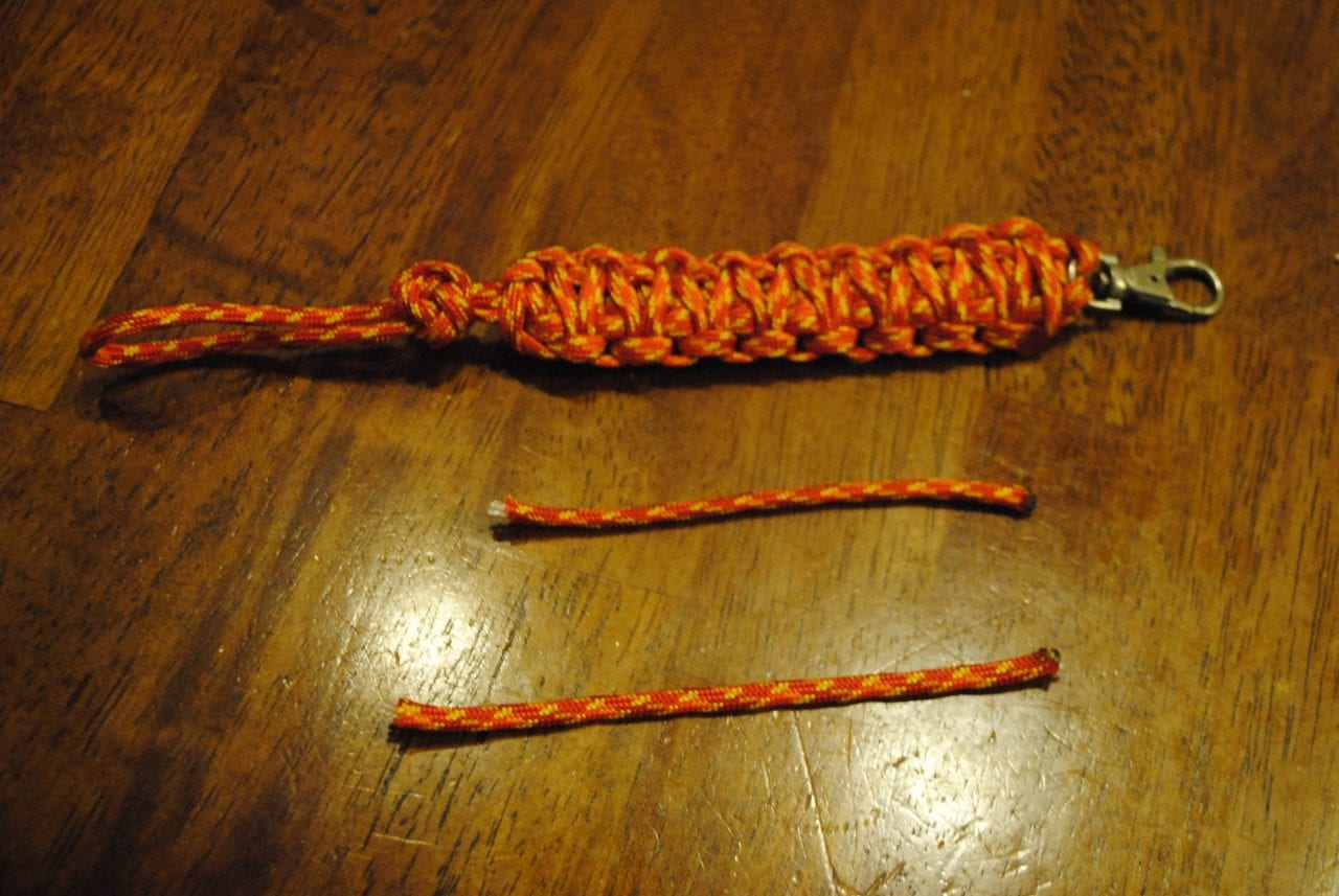 With cut-off excess paracord from step 6